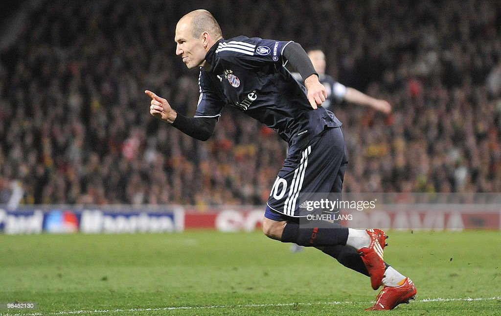 Bayern Munich's Dutch striker Arjen Robb : News Photo