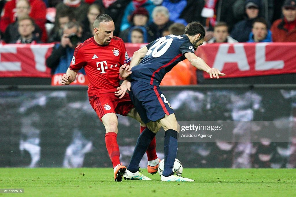 Bayern Munich's Franck Ribery (L) and Juanfran of Atletico Madrid (R) vie for the ball during the UEFA Champions League semifinal second leg soccer match between FC Bayern Munich and Atletico Madrid at the Allianz Arena in Munich, Germany on May 3, 2016.