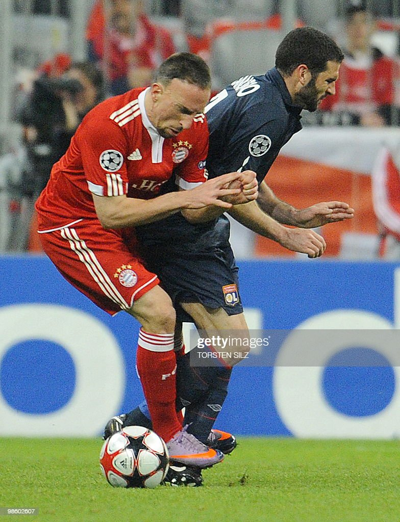 Bayern Munich's French midfielder Franck Ribery fauls Olympique Lyonnais' Argentinian striker Lisandro before he was sent off during the first leg UEFA Champions League semi-final football match FC Bayern Munich vs Olympique Lyonnais at the Allianz Arena in the southern German city of Munich on April 21, 2010.