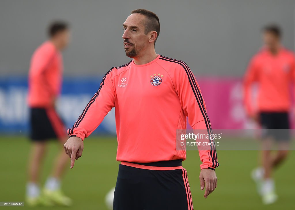 Bayern Munich's French midfielder Franck Ribery gestures during the final team training session one day prior to the Champions League semi-final, second-leg football match between Bayern Munich and Atletico Madrid at the club trainings area in Munich, southern Germany, on May 2, 2016. / AFP / CHRISTOF