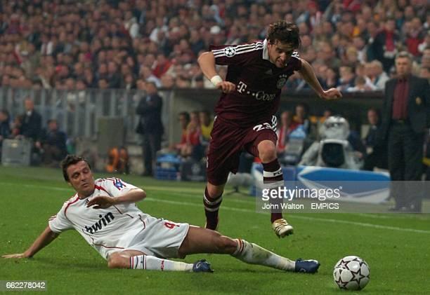 Bayern Munich's Owen Hargreaves breaks away from AC Milan's Massimo Oddo