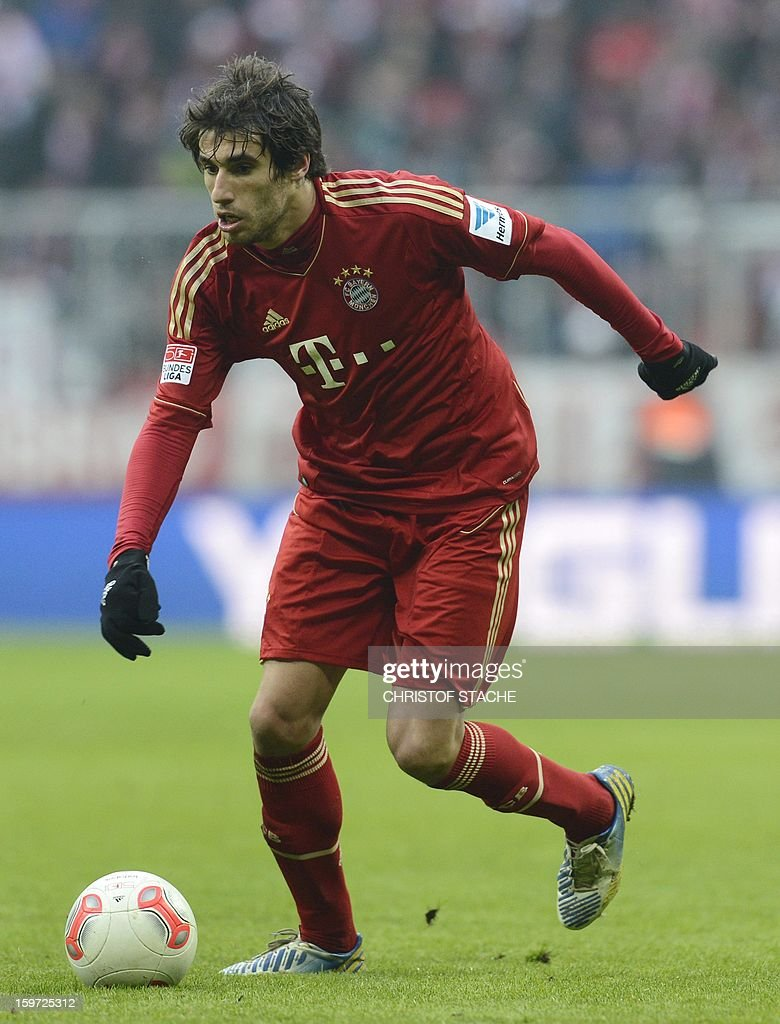 Bayern Munich's Spain midfielder Javi Martinez plays during the German first division Bundesliga football match FC Bayern Munich vs Greuther Fuerth in Munich, southern Germany, on January 19, 2013. AFP PHOTO / CHRISTOF STACHE AT + 49 69 650050