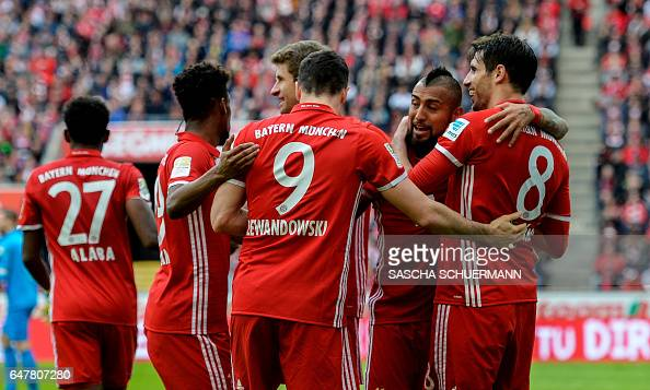 FBL-GER-BUNDESLIGA-COLOGNE-MUNICH : News Photo