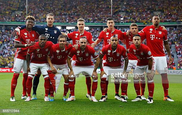Bayern players line up prior to the DFB Cup Final between Bayern Muenchen and Borussia Dortmund at Olympiastadion on May 21 2016 in Berlin Germany