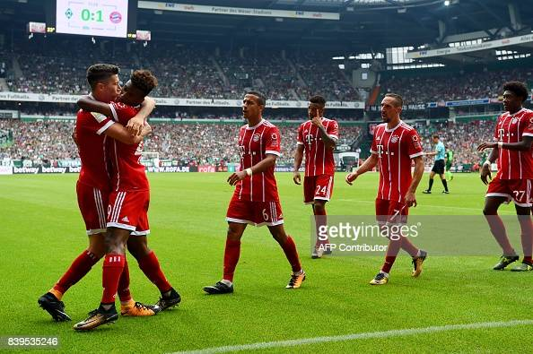 FBL-GER-BUNDESLIGA-BREMEN-MUNICH : News Photo
