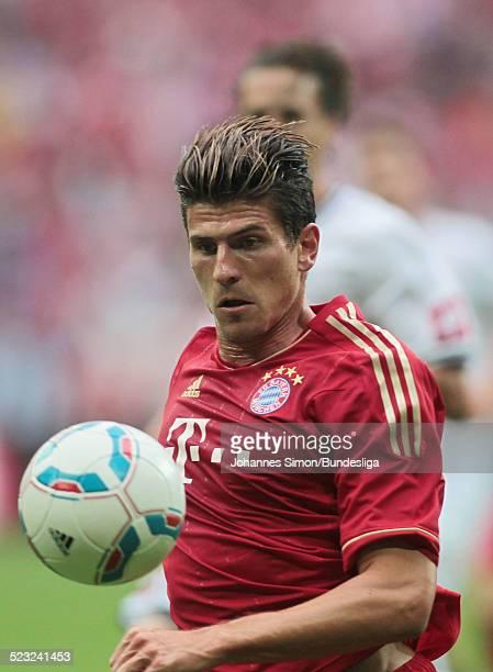 BayernSpieler Mario Gomez im Einsatz beim BundesligaSpiel zwischen dem FC Bayern Muenchen und Borussia Moenchengladbach am in der Muenchner...