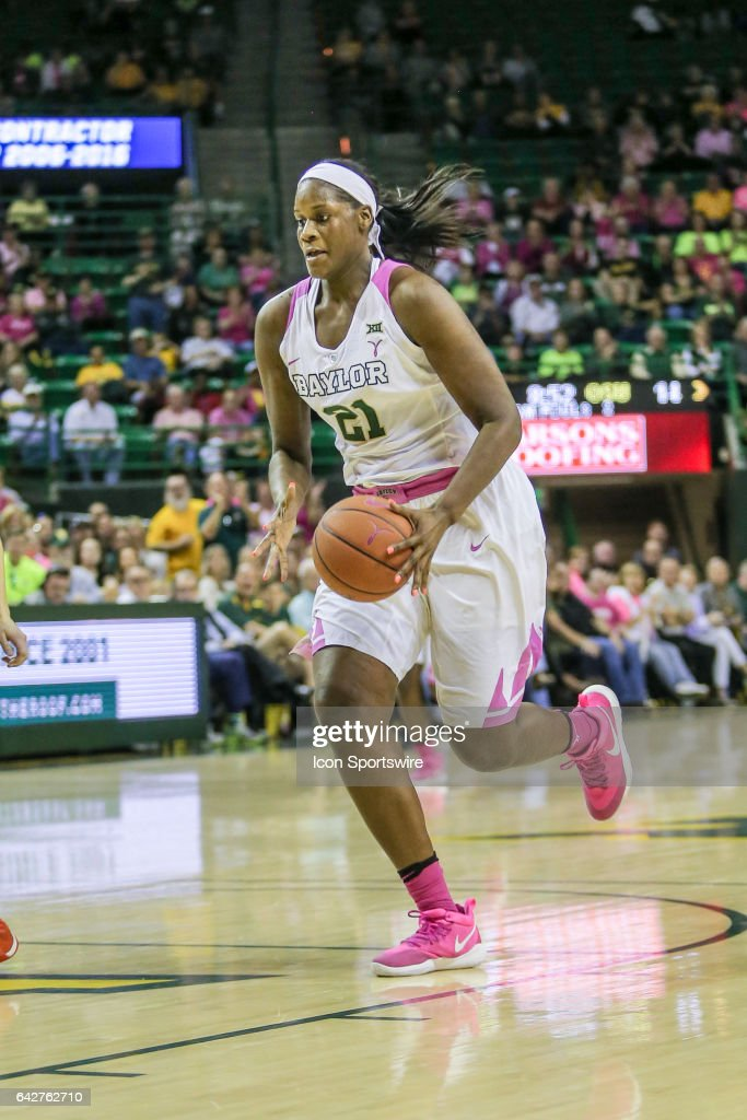 Baylor Bears forward/center Kalani Brown (21) goes to the basket during the women's basketball game between Baylor and Oklahoma State on February 18, 2017, at the Ferrell Center in Waco, TX.