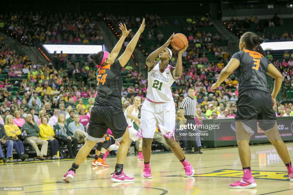 Baylor Bears forward/center Kalani Brown (21) shoots during the women's basketball game between Baylor and Oklahoma State on February 18, 2017, at the Ferrell Center in Waco, TX.