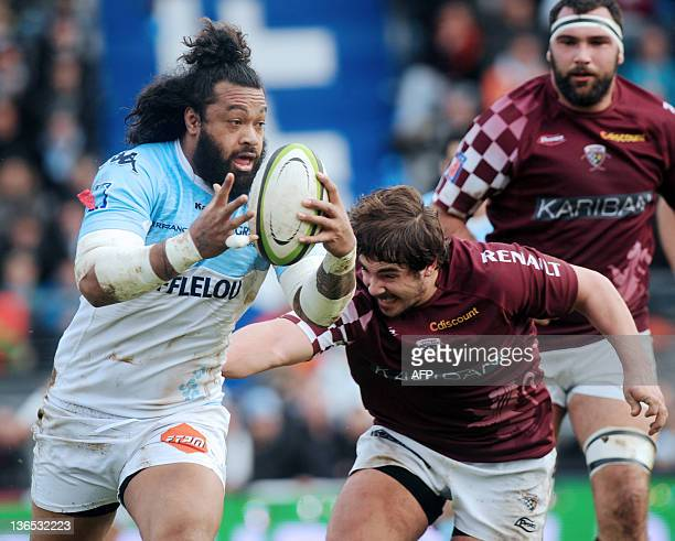 Bayonne's flanker Sione Lauaki runs with the ball during the French Top 14 rugby union match Bayonne vs BordeauxBègles at the Jean Dauger stadium in...