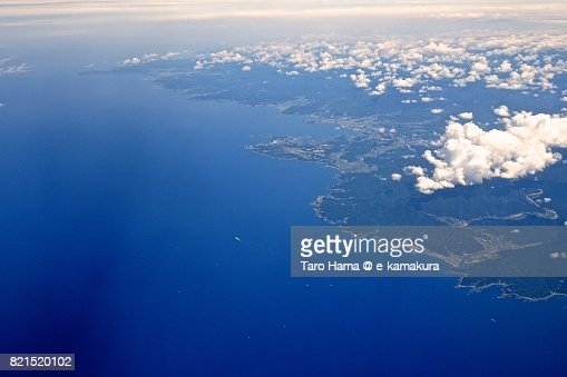 Beach and seaside line in Tanabe city, Shirahama and Susami town in Wakayama Prefecture daytime aerial view from airplane : ストックフォト