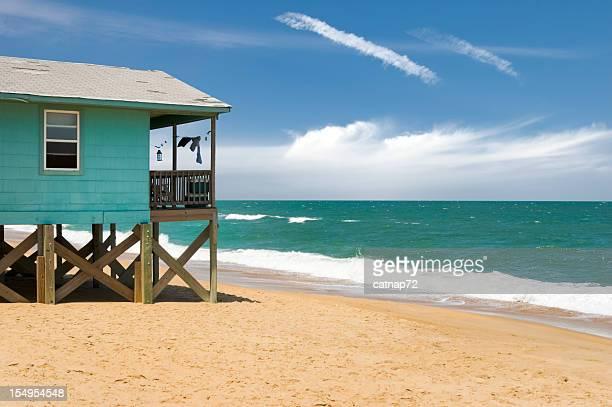 Beach House und Wellen, den Outer Banks, NC