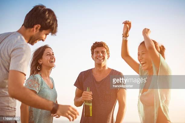 Festa na praia no Verão