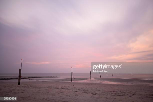Sonnenuntergang am Strand in der Nordsee