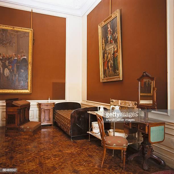 Beadroom where Emperor Francis Joseph I died in Schoenbrunn palace Photography ar 2000 [Schlafzimmer und Sterbebett von Kaiser Franz Joseph in...