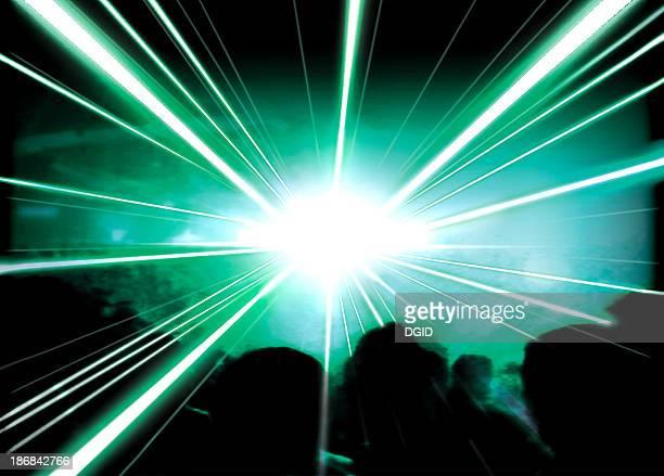 ビームズの緑色レーザー[4 ]