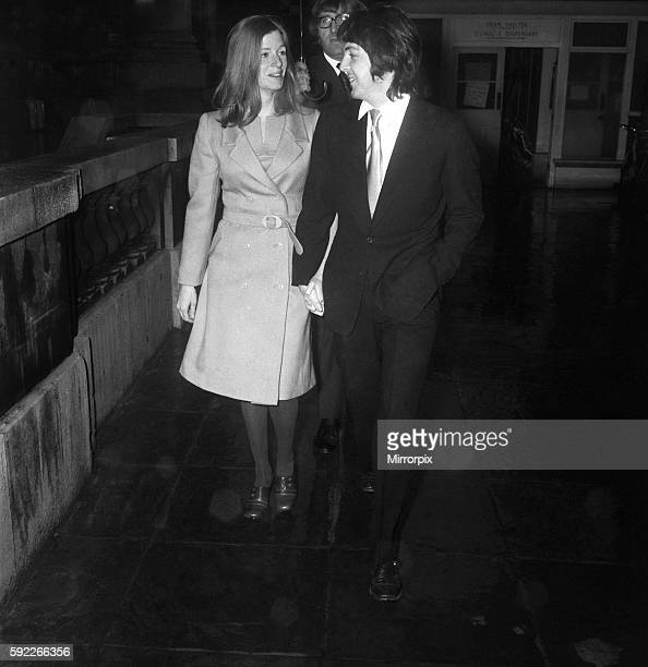 Beatle Paul McCartney and his fiancee Linda Eastman arrives at a door of the register office at Marylebone March 1969 Z02419008