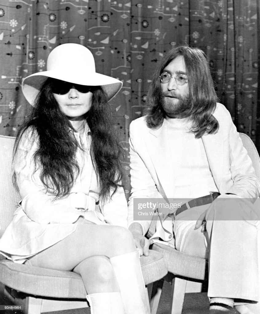 Beatles 1969 <a gi-track='captionPersonalityLinkClicked' href=/galleries/search?phrase=John+Lennon&family=editorial&specificpeople=91242 ng-click='$event.stopPropagation()'>John Lennon</a> and <a gi-track='captionPersonalityLinkClicked' href=/galleries/search?phrase=Yoko+Ono&family=editorial&specificpeople=202054 ng-click='$event.stopPropagation()'>Yoko Ono</a> at Heathrow Airport