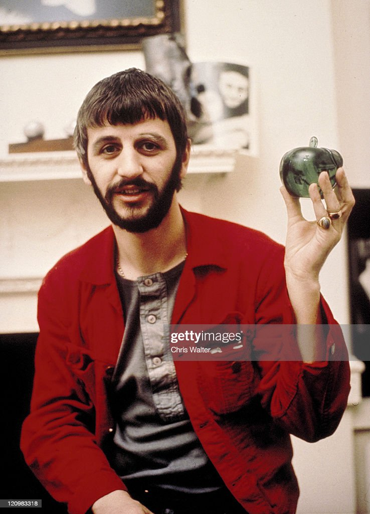 Beatles 1969 <a gi-track='captionPersonalityLinkClicked' href=/galleries/search?phrase=Ringo+Starr&family=editorial&specificpeople=92463 ng-click='$event.stopPropagation()'>Ringo Starr</a> at Apple Corps© Chris Walter