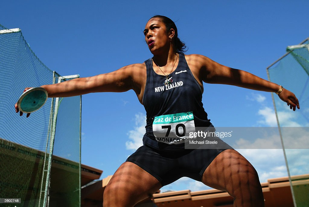 Beatrice Faumuina of New Zealand in action in the discus during the IAAF World Athletics Final on September 13, 2003 at the Stade Louis II in Monte Carlo, Monaco.
