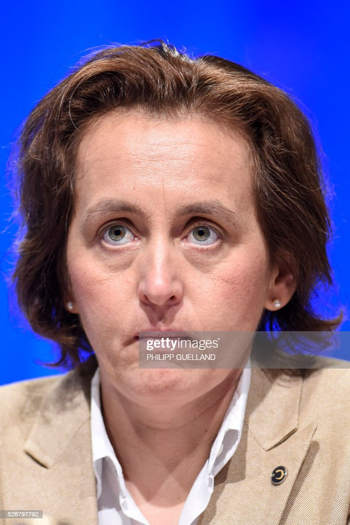 Beatrix von Storch, deputy leader of the german right wing party Alternative for Germany (AfD) attends a party congress of the German right wing party AfD (Alternative fuer Deutschland) at the Stuttgart Congress Centre ICS on May 1, 2016 in Stuttgart, southern Germany. / AFP / Philipp GUELLAND