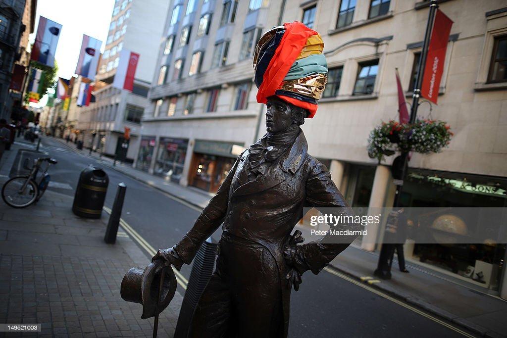 Beau Brummell's statue in Jermyn Street wears a new hat designed by Noel Stewart for 'Hatwalk' on July 30 2012 in London England Londoners and...