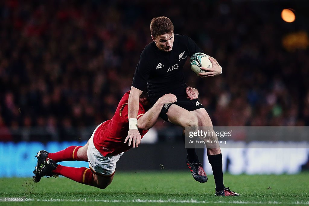 <a gi-track='captionPersonalityLinkClicked' href=/galleries/search?phrase=Beauden+Barrett&family=editorial&specificpeople=7264286 ng-click='$event.stopPropagation()'>Beauden Barrett</a> of New Zealand makes a run during the International Test match between the New Zealand All Blacks and Wales at Forsyth Barr Stadium on June 25, 2016 in Dunedin, New Zealand.