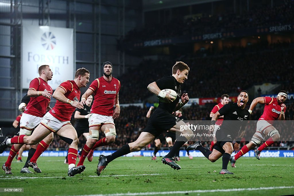 Beauden Barrett of New Zealand runs in a try during the International Test match between the New Zealand All Blacks and Wales at Forsyth Barr Stadium on June 25, 2016 in Dunedin, New Zealand.