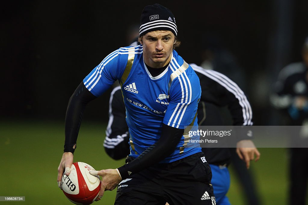 <a gi-track='captionPersonalityLinkClicked' href=/galleries/search?phrase=Beauden+Barrett&family=editorial&specificpeople=7264286 ng-click='$event.stopPropagation()'>Beauden Barrett</a> of the All Blacks runs through drills during a training session at the University of Glamorgan training fields on November 22, 2012 in Cardiff, Wales.