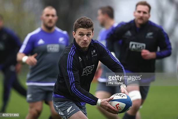 Beauden Barrett of the New Zealand All Blacks passes during the All Blacks captains run at the Suresnois Rugby Club on November 25 2016 in Paris...
