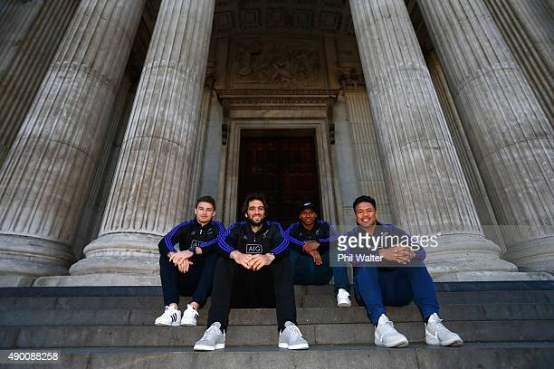 Beauden Barrett Samuel Whitelock Waisake Naholo and Samuel Whitelock of the All Blacks in front of St Pauls Cathedral during a stop on a London open...