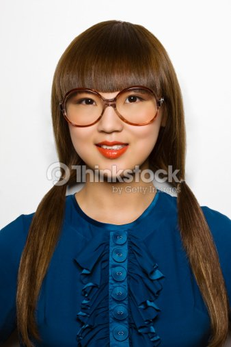 belle asiatique bikini lunettes avec tr s photo thinkstock. Black Bedroom Furniture Sets. Home Design Ideas