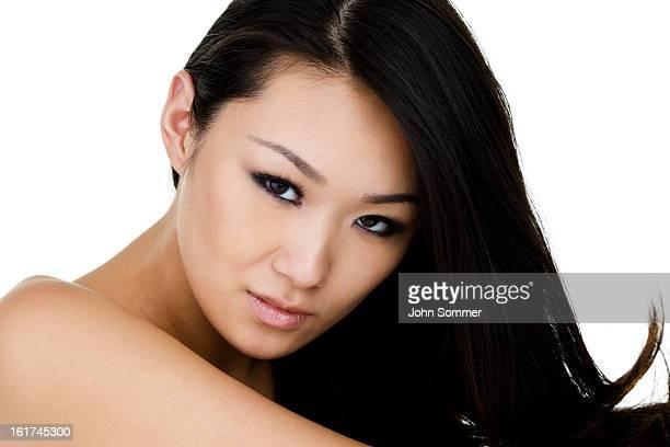 美しいアジアの女性
