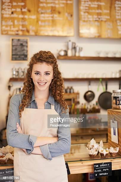 Wunderschöne barista bereit deine Bestellung