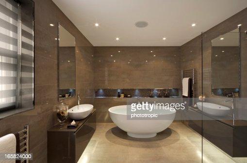 beautiful bathroom suite