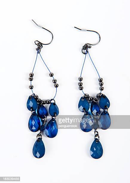 Belles boucles d'oreilles perle et cristal bleu