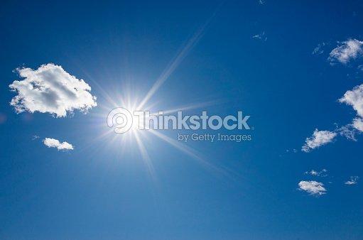 Beautiful blue sky and shining sun, : Foto de stock