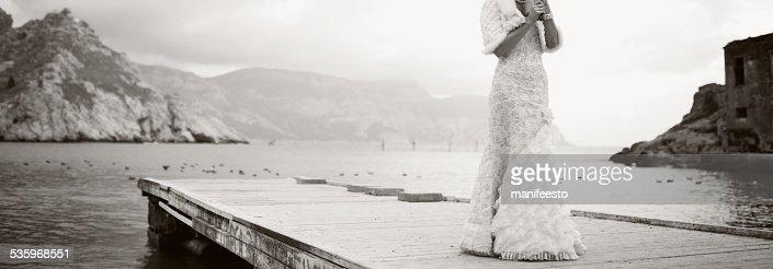 Beautiful bride wearing gorgeous dress. : Stock Photo
