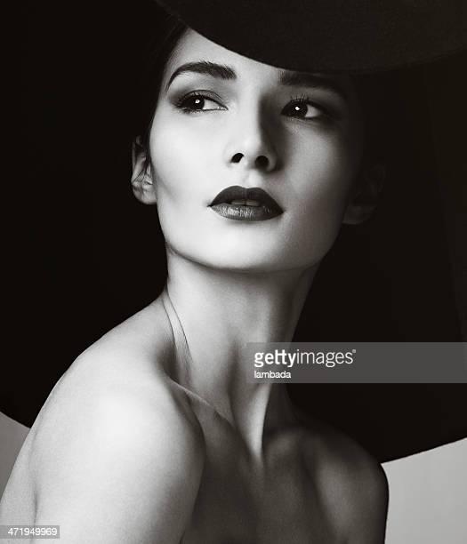 Bela mulher elegante