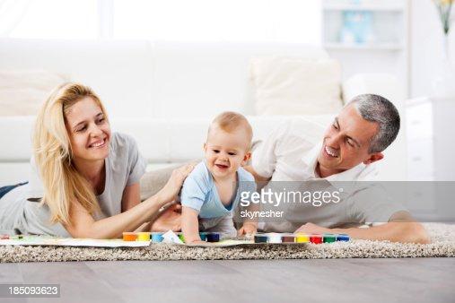美しい家族のうち 3 人は、水彩画