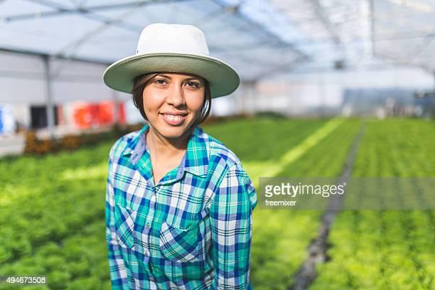 美しい雌の農家