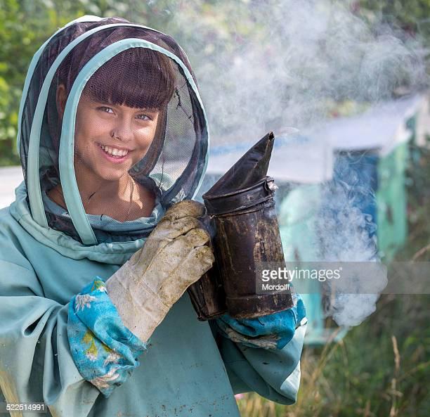 Hermosa Chica apiarist