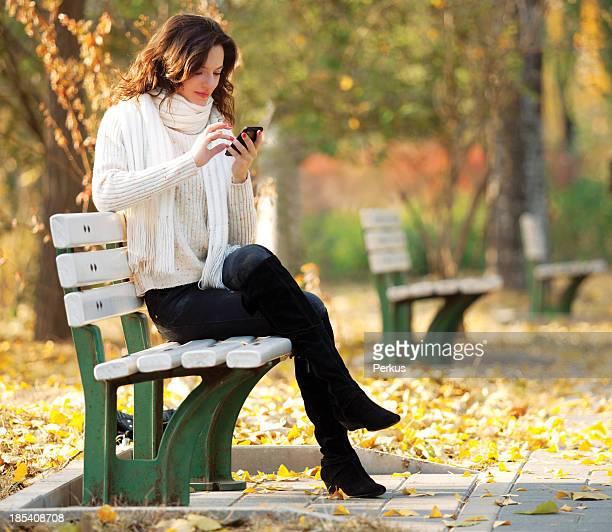 Belle fille dans le parc