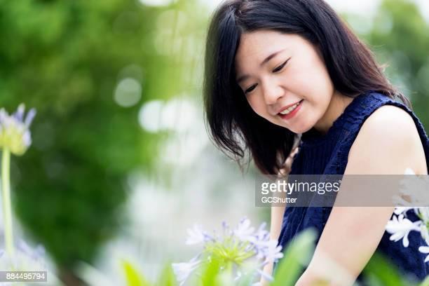美しい日本の女の子を受け入れ自然