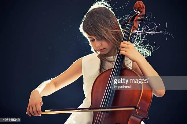 Schöne kleine cellist