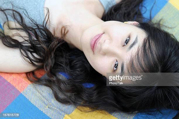 美しい若い女性長い髪-XL
