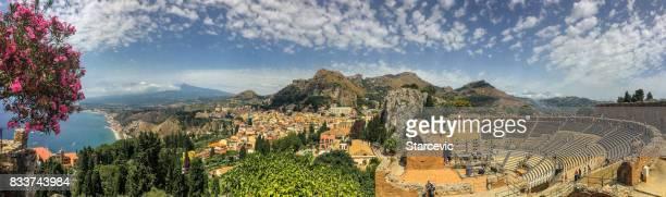 Wunderschönen Blick auf Taormina, Sizilien
