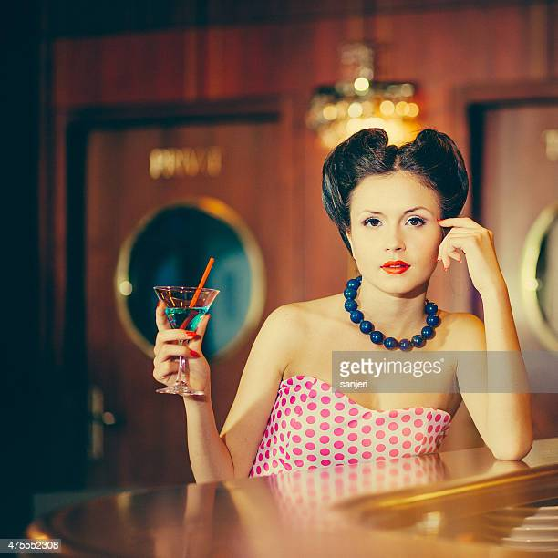 Bella Pin Up girl in locale
