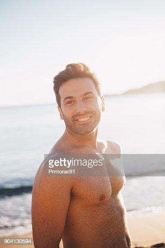 Schönes Porträt Von Junge Schöne Männer Genießen Seinen Sommerurlaub