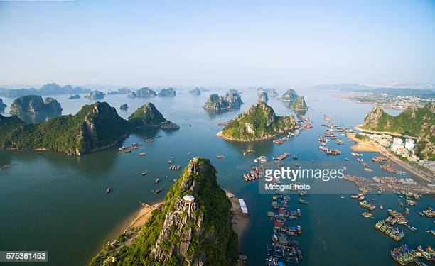 Beautiful seascape in Halong bay, Vietnam
