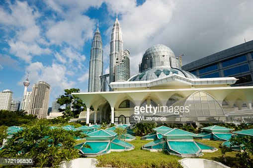 Beautiful view on Asy-Syakirin Mosque with Petronas Towers